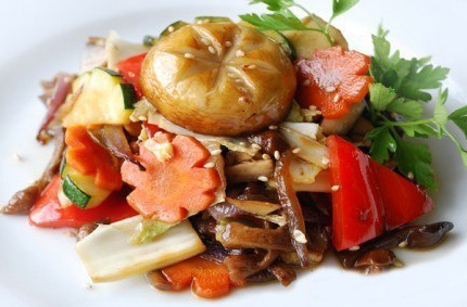 еда из коробочки, китайская с овощами